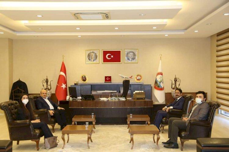 İl Sağlık Müdürü Tiryaki'den Belediye Başkanı Sarı'ya ziyaret