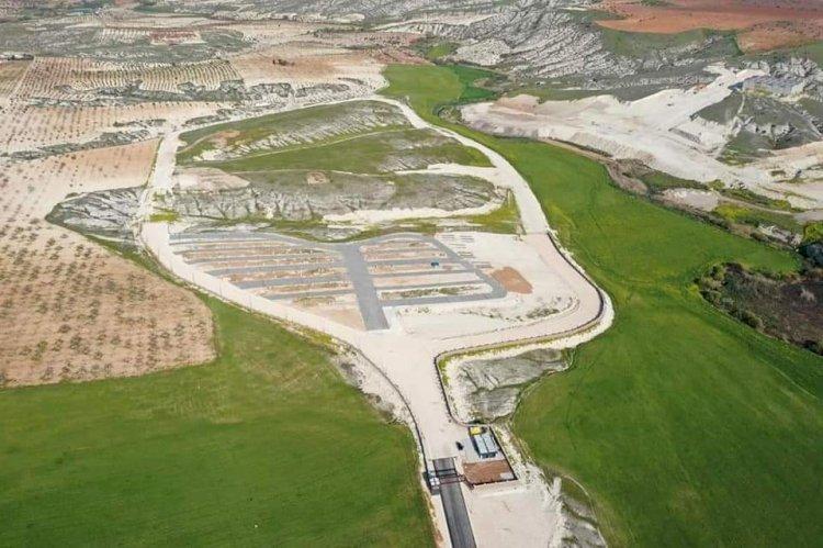 Yeşil Nizip Mezarlığına ilk ferdi defin işlemi başladı.